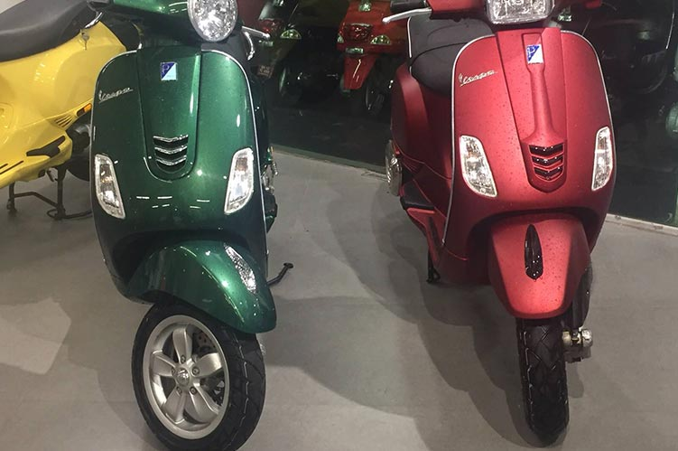 Vespa dealers and showrooms in Pune | AK Motors